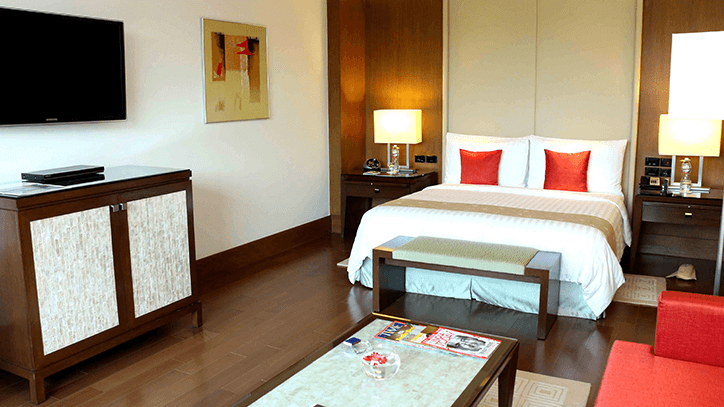 Deluxe Suite at The Oberoi Gurgaon