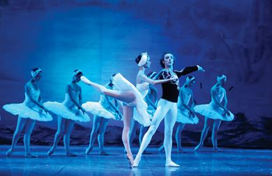 A troupe performs Swan Lake in Beijing
