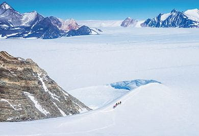 MOUNTAINEERING IN THE ELLSWORTH MOUNTAINS Antarctica