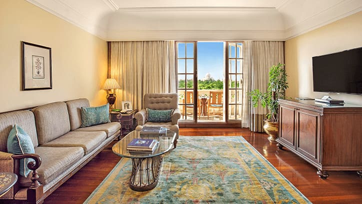 Deluxe Suite with Balcony Living Room, The Oberoi Amarvilas Agra
