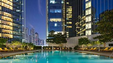 dubai-event-pool-with-city-view-724x407