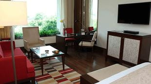 Luxury Room at 5 Star Hotel The Oberoi Gurgaon