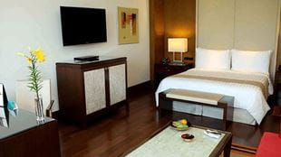 Luxury Room at 5 Star Hotels The Oberoi Gurgaon