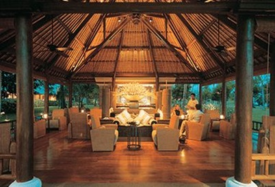 Tokek Bar at The Oberoi Beach Resort Lombok