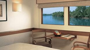 Deluxe Cabins, The Oberoi Vrinda Luxury Kerala Cruiser