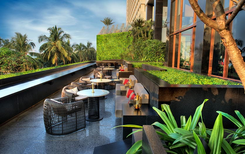 mumbai-dining-the-eau-bar-836x525