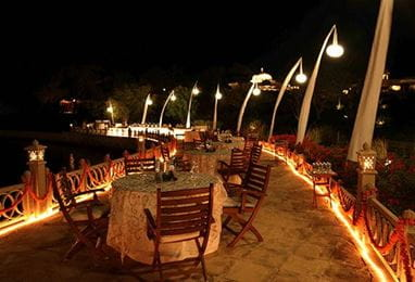 Dinner On the Promenade Experience at the 5 Star Hotels in Udaipur, The Oberoi Udaivilas