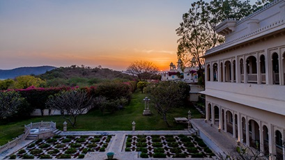udaivilas-gallery-featured-12-herb-garden-sunset-view-724x407