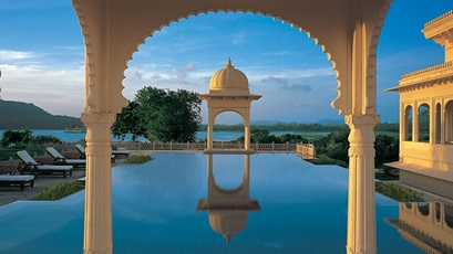 udaivilas-gallery-featured-8-spa-pool-724x407