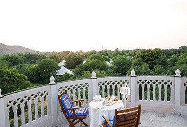Sundowners at the Observation Tower Experience at The Oberoi Vanyavilas Ranthambhore