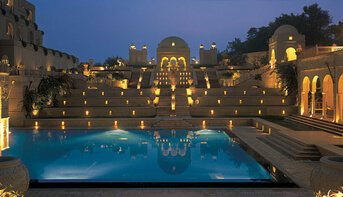 Poolside Dinner Under Stars | The Oberoi, Amarvilas