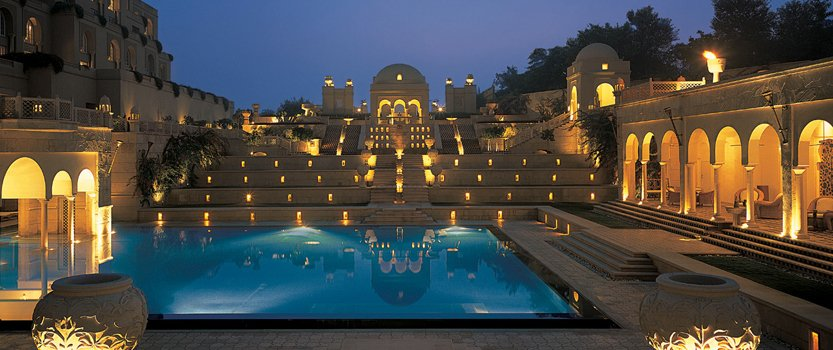 Experience Dining Under the Stars at the Oberoi, Amarvilas