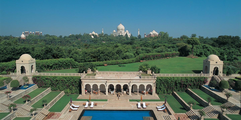taj mahal view from the oberoi amarvilas