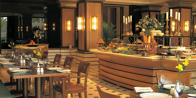 Bellevue the oberoi amarvilas agra multi cuisine for Agra fine indian cuisine menu