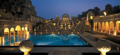 Dine Under the Stars at the Oberoi, Amarvilas