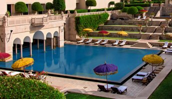 Under Cover & Open Air Swimming Pool | The Oberoi Amarvilas