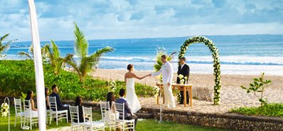 Wedding Ceremony Overlooking Semiyak Beach at The Oberoi, Bali