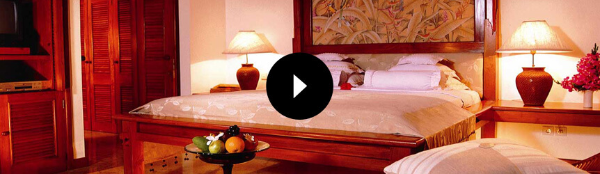 Take a 360° View of The King-Size Bedroom in The Luxury Lanai Room at The Oberoi, Bali
