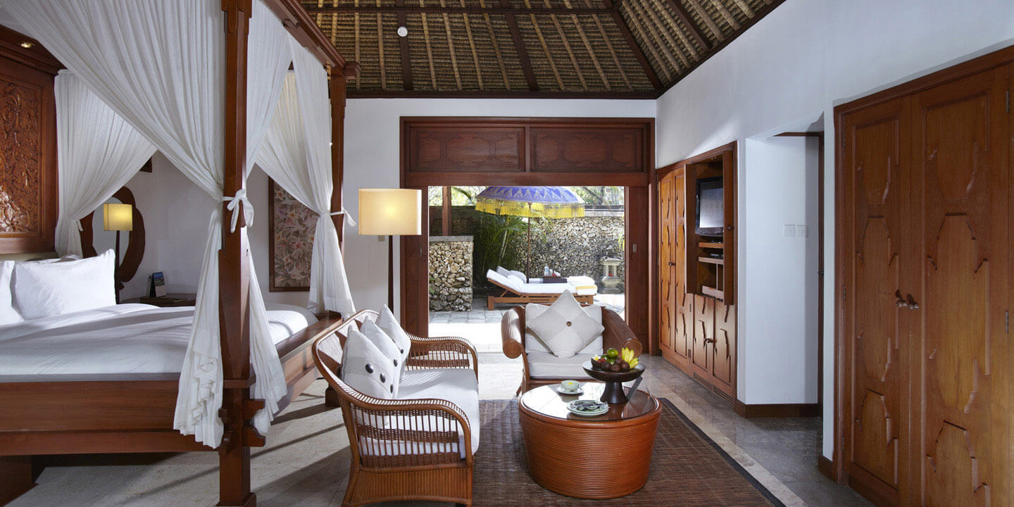 Luxury Villa With High Thatched Roof, King Size Bedroom, Outdoor Dining Pavilion & a Coutyard - The Oberoi, Bali