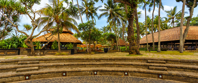 The Amphitheatre For an Al Al Fresco Dining, Enjoying Balinese Dance & Music Overlooking The Ocean at The Oberoi, Bali
