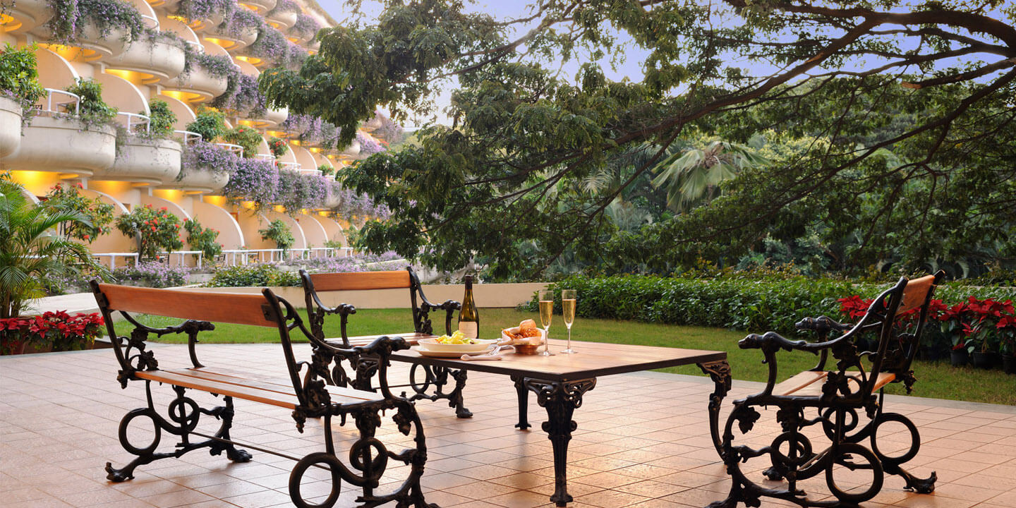 Luxury Hotels in Bengaluru | Presidential Suite Terrace of The Oberoi, Bengaluru