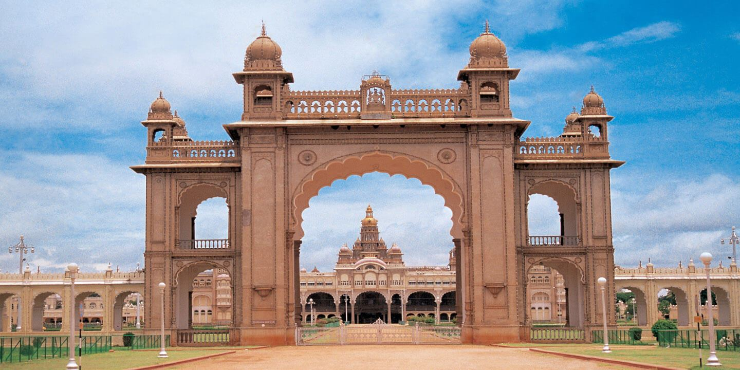 Mysore Palace - Weekend Getaways in Bengaluru