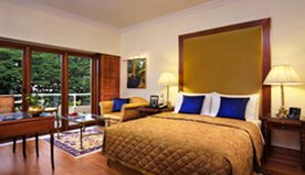 Brightly Lit Luxury Rooms and Suites at The Oberoi, Bengaluru
