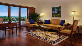 Executive Suites - Living Room At The Oberoi, Bengaluru