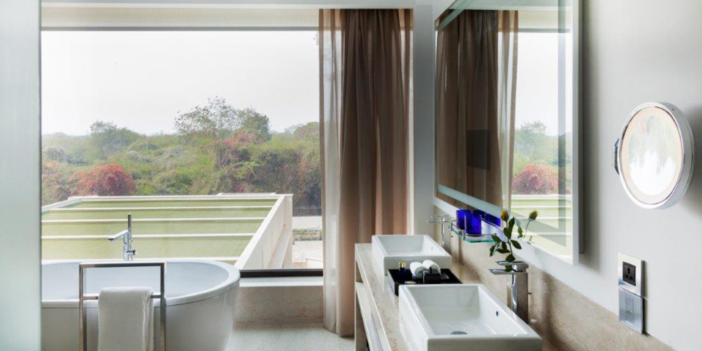Deluxe Suites - The Oberoi, New Delhi