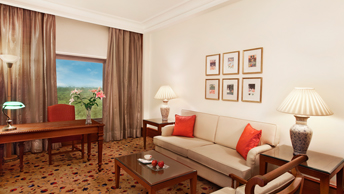 Duplex Suites in 2 Floors, Master Bedroom & Interconnecting Twin Bedroom at The Oberoi, New Delhi