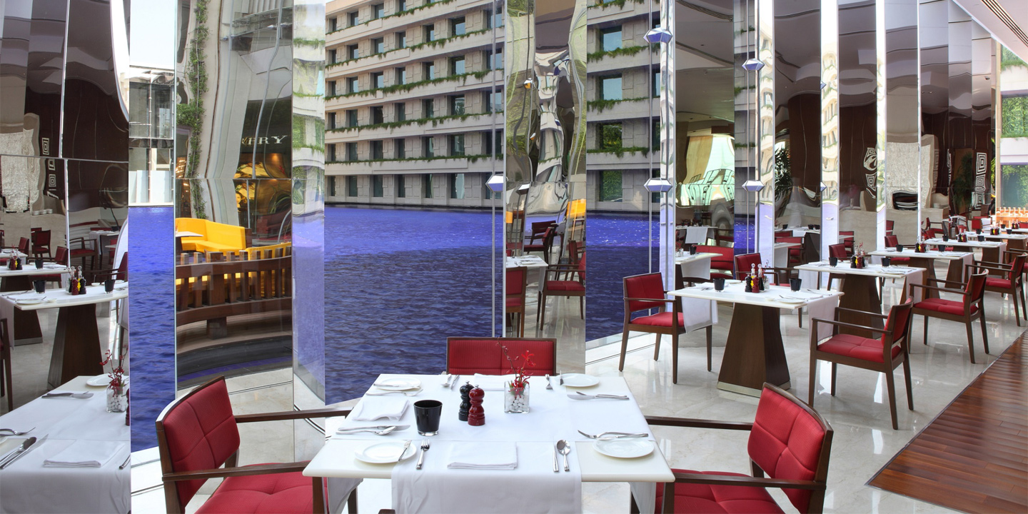 Threesixtyone°, The Pool View All-Day Multi-Cuisine Dining Restaurant at The Oberoi, Gurgaon