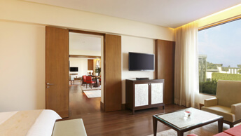 Upgrade For an Experience of Elegance - Deluxe Suites at The Oberoi, Gurgaon