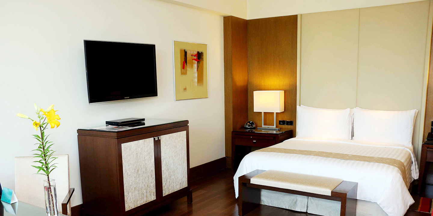 Luxury Hotel Room With Garden View The Oberoi Gurgaon Gurgaon