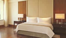 Premier Rooms at The Oberoi, Gurgaon are Spacious, Have High Ceilings & Allow Natural Light