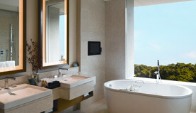 Modern Bathrooms - Premier Rooms at The Oberoi, Gurgaon