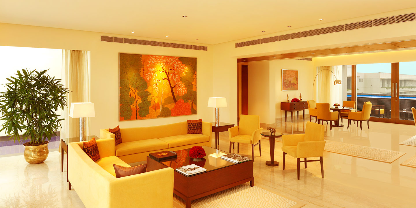 Spacious Private Living Room - Presidential Suites at The Oberoi, Gurgaon