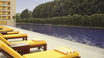 Temperature Controlled Outdoor Pools - Luxury Spa at The Oberoi, Gurgaon