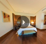 Take a 360° View of The Bedroom in Deluxe Suites at The Oberoi, Gurgaon