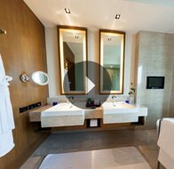 Take a 360° View of The Bathroom in Premier Rooms at The Oberoi, Gurgaon
