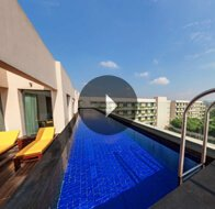 Take a 360° View of The Private Pool in Premier Suites at The Oberoi, Gurgaon