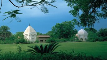 Lawns & Gardens in Full Greenery With Varieties of Birds at The Oberoi Rajvilas, Jaipur
