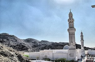 Sabaa Masjid (Seven Mosque) - Seven Small Mosque in The Same Surrounding - Weekend Getaways - The Oberoi, Madina