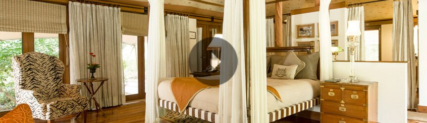Take a 360° View of The Bedroom in The Luxury Tent at The Oberoi Vanyavilas, Ranthambhore