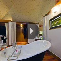 Take a 360° View of The Bathroom in The Luxury Tent at The Oberoi Vanyavilas, Ranthambhore