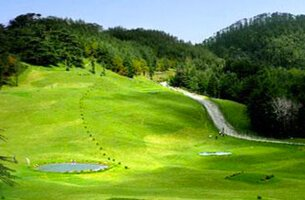 Naldehra Golf Course, India's First Nine-Hole Golf Course - Weekend Getaways - The Oberoi Cecil, Shimla
