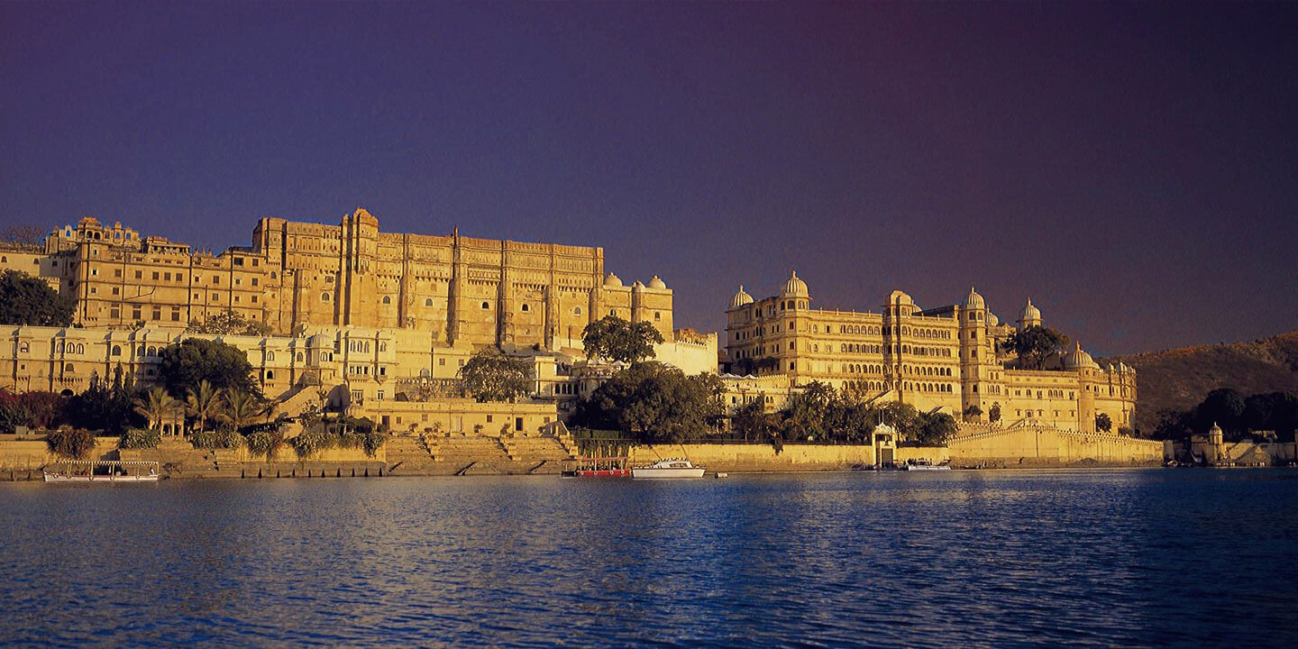 Luxury Hotels in Udaipur by The Lake Pichola - The Oberoi Udaivilas
