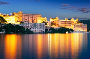 City Palace on The Banks of Lake Pichola - Weekend Getaways in Udaipur - The Oberoi Udaivilas