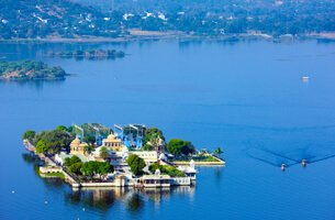 Lake Pichola, Udaipur's Famous Lake - Weekend Getaways - The Oberoi, Udaivilas